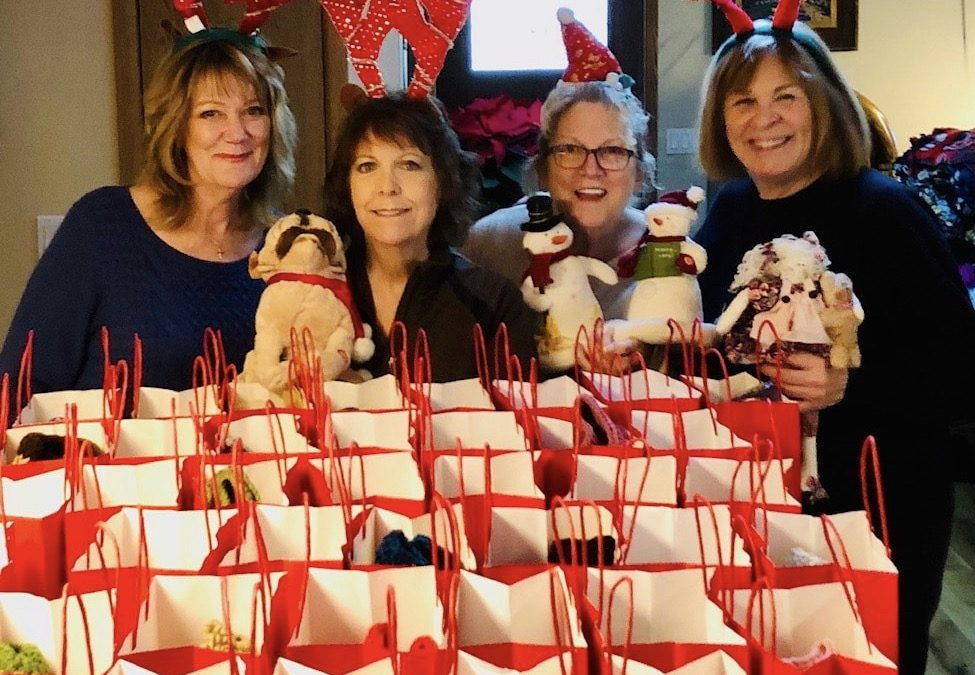 """""""Angels"""" bring heavenly joy to six assisted living facilities at the holidays"""